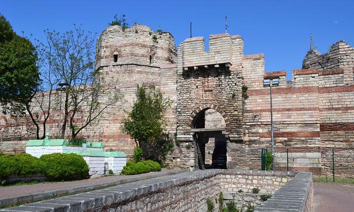 Ворота Весны Константинополя