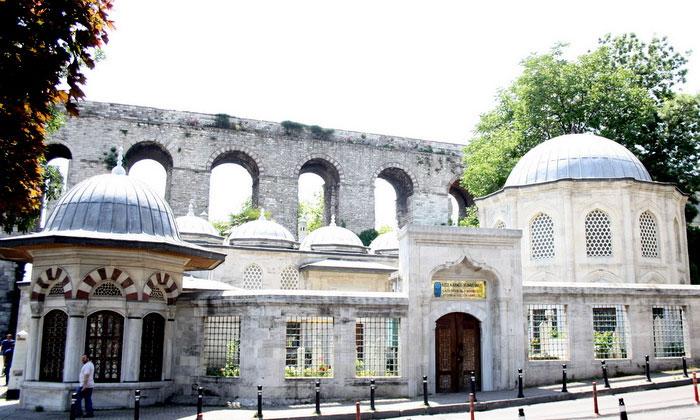 Вход в Газанфер Медресе Стамбула