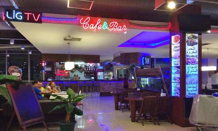 Кафе-бар в аэропорте Трабзона