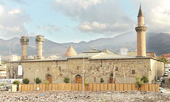 Большая (Улу) мечеть Эрзурума
