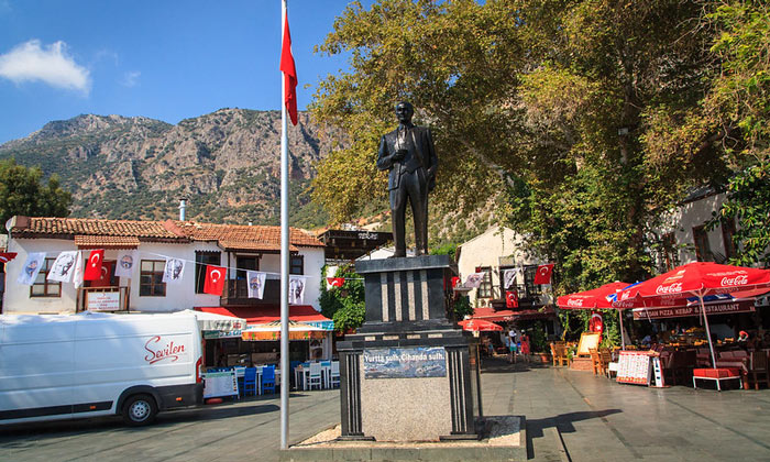 Главная площадь Каша