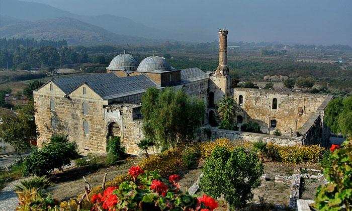 Мечеть Иса-бей в Сельчуке