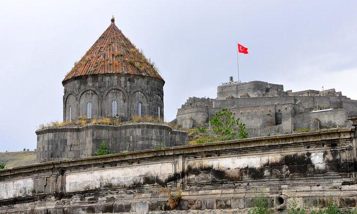 Церковь и крепость Карса