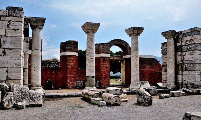 Остатки базилики Иоанна в Сельчуке