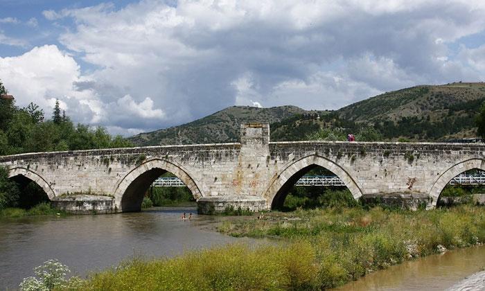 Каменный мост Токата