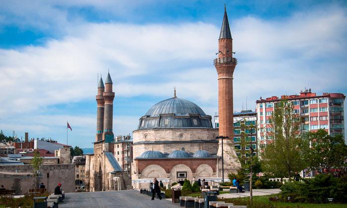 Мечеть Кале в Сивасе