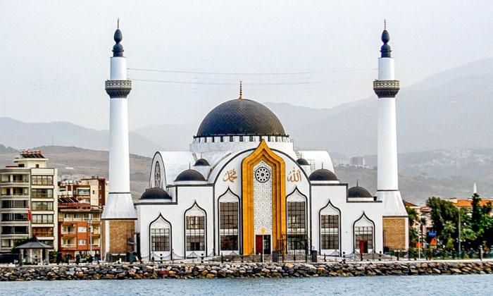 Мечеть Nihal Atakas в Искендеруне