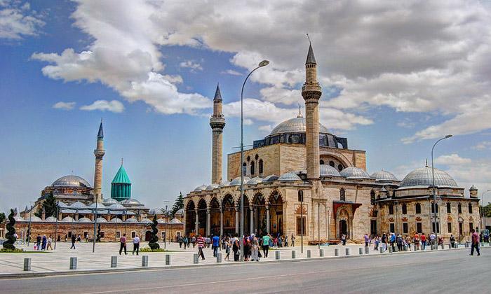 Музей Мевляны и мечеть Селимие в Конье