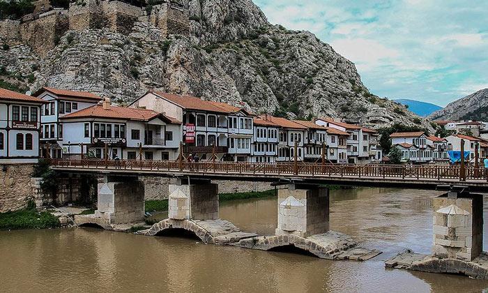 Один из мостов Амасьи