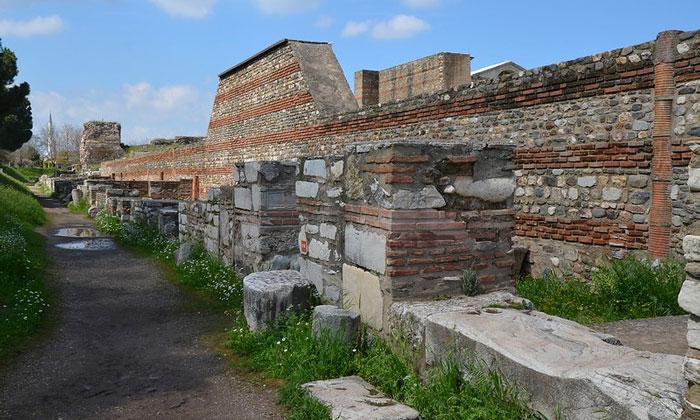 Остатки византийских магазинов в Сардисе