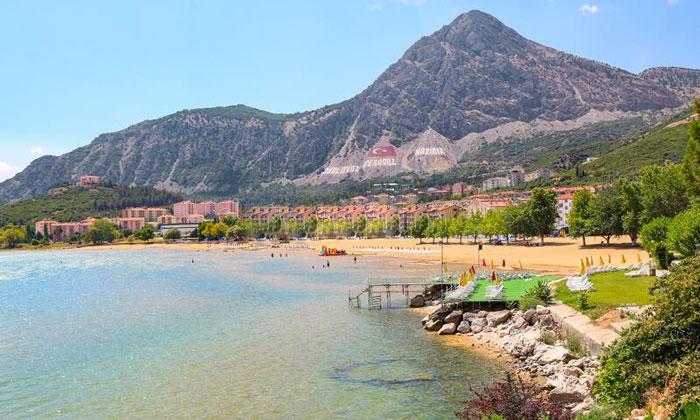 Пляж «Алтынкум» в Эгридире