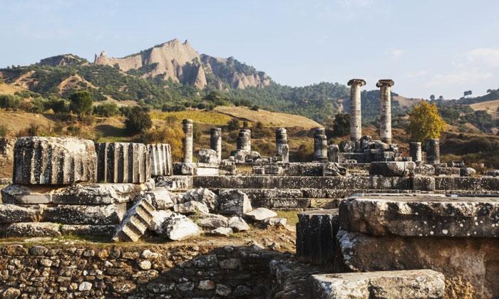Руины храма Артемиды в Сардисе