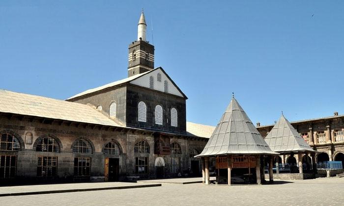 Великая (Улу) мечеть Диярбакыра