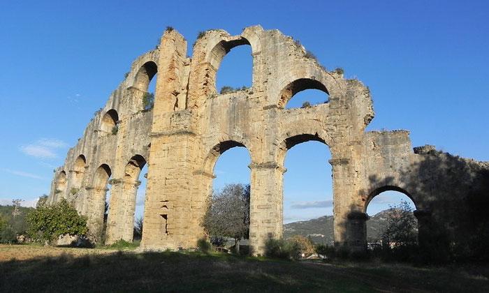 Акведук Аспендоса