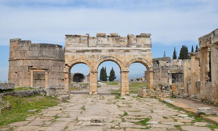 Античные ворота Гиераполиса