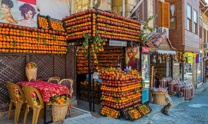 Апельсиново-гранатовый магазин в Сиде