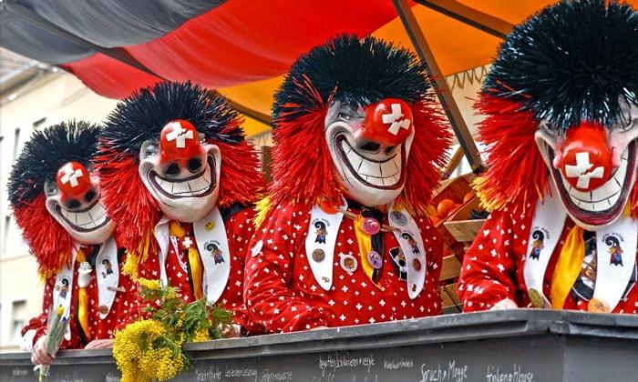 Экстравагантные участники Базельского карнавала
