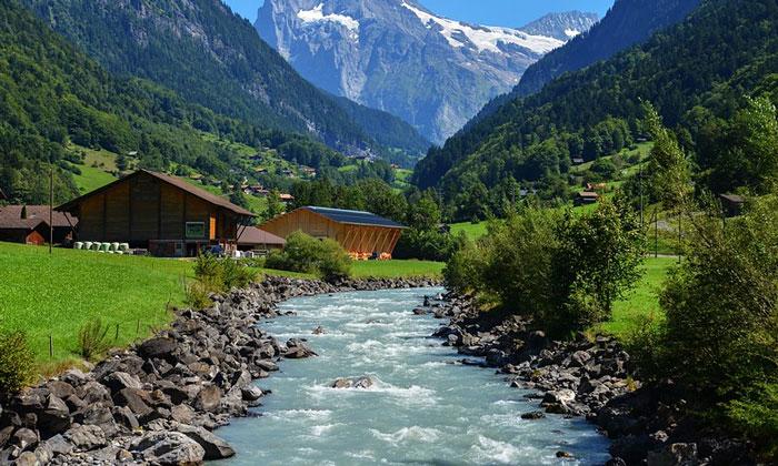 Горная речка Швейцарии