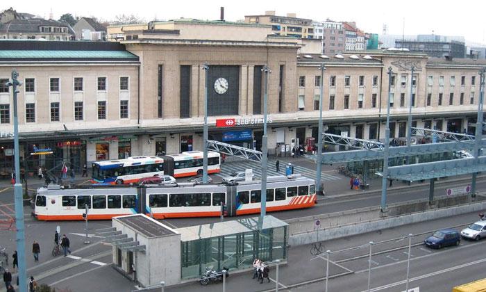 Железнодорожный вокзал Корнавин в Женеве