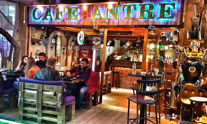 Кафе «Antre» в Ургюпе