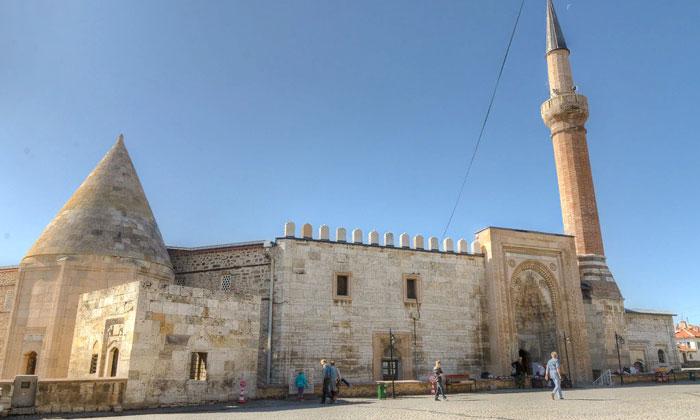 Мечеть Эшрефоглу в Бейшехире
