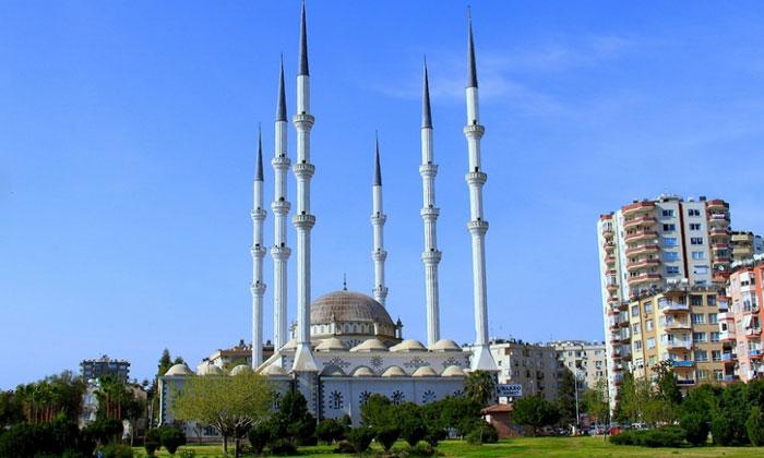 Мечеть Мугдат в Мерсине