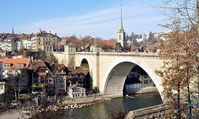 Мост Nydeggbrucke в Берне