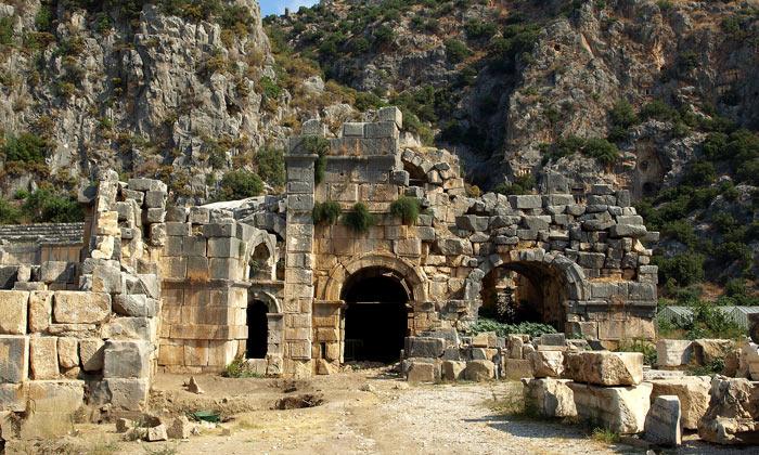 Остатки древней Миры