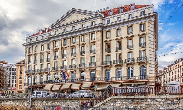 Отель «Four Seasons des Bergues» в Женеве