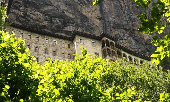Православный монастырь Панагия Сумела в Турции