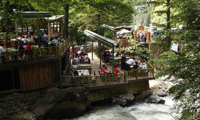 Ресторан при монастыре Панагия Сумела в Турции