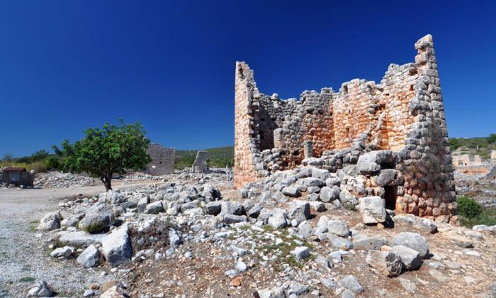 Руины древнего города Канителис в Турции