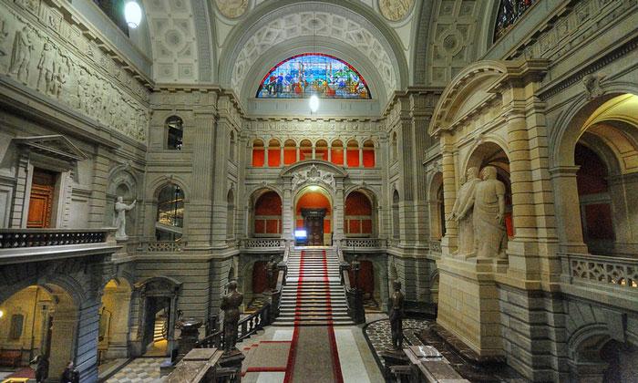 Внутреннее убранство Федерального дворца Берна