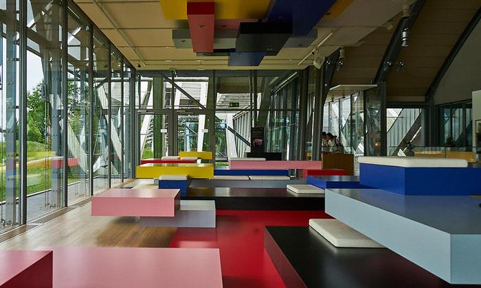 Внутри центра Пауля Клее в Берне