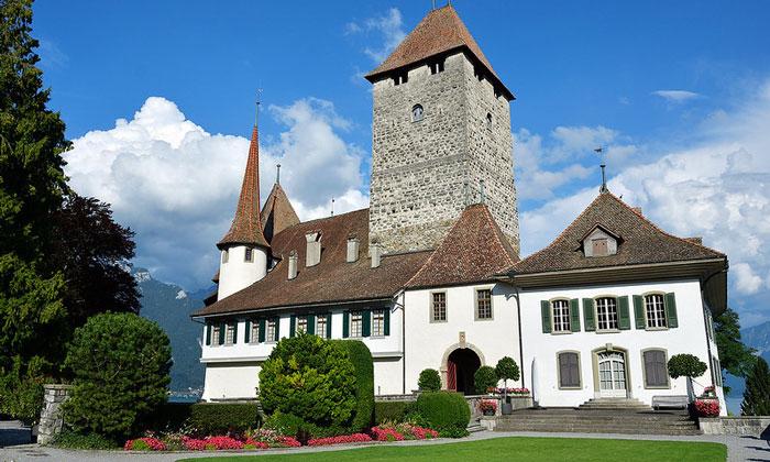 Средневековый замок Шпица