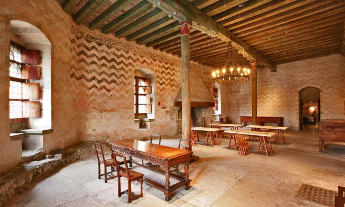 Один из Больших залов Шильонского замка