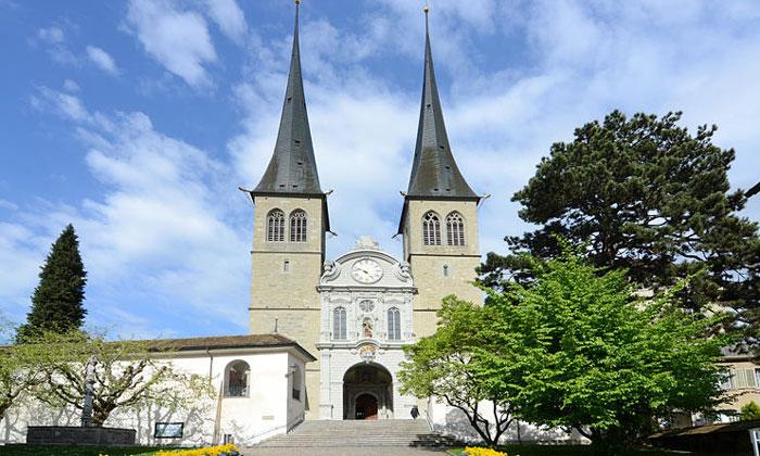 Церковь Хофкирхе в Люцерне