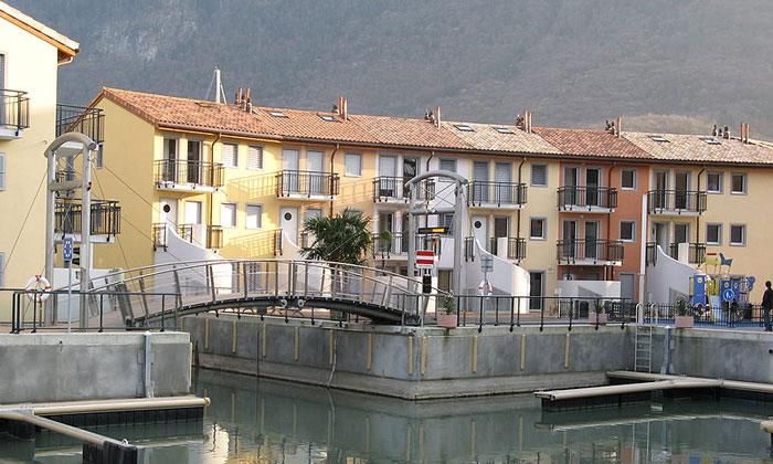 Деревня Ле-Бувре в Швейцарии