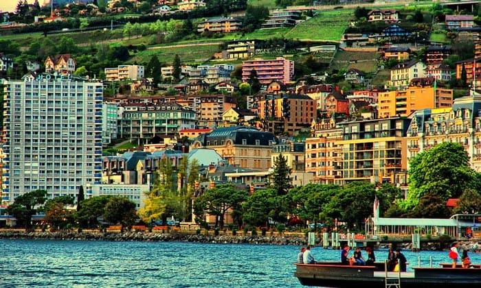 Город Монтре в Швейцарии