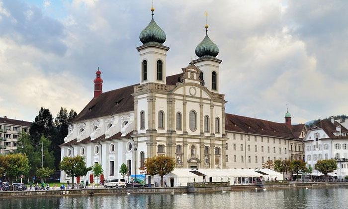 Иезуитская церковь Люцерна