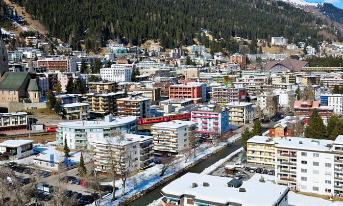 Город Давос в Швейцарии