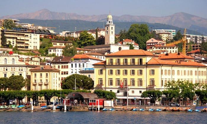 Город Лугано в Швейцарии