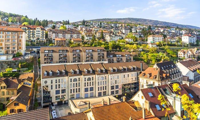 Город Невшатель в Швейцарии