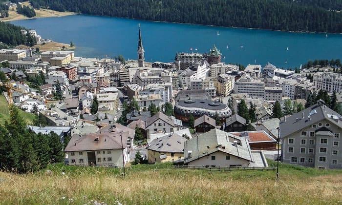 Город Санкт-Мориц в Швейцарии