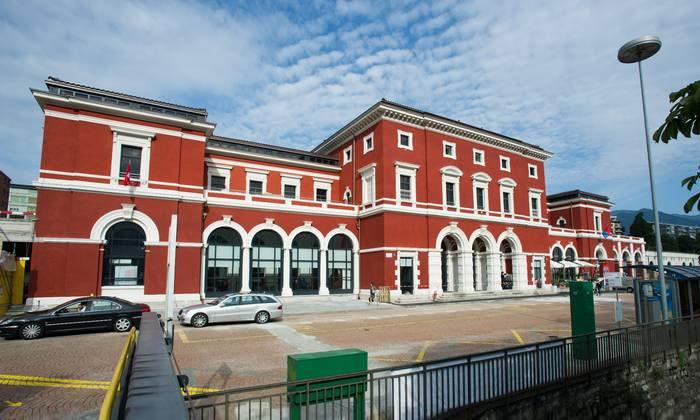 Железнодорожный вокзал Лугано