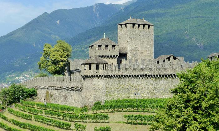 Замок Монтебелло в Беллинцоне