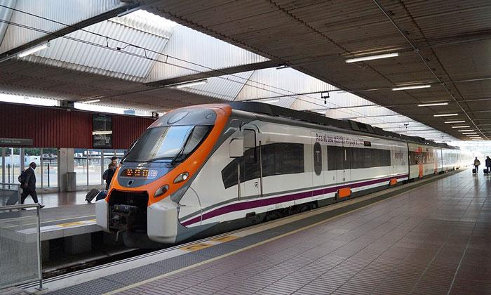 Поезд из аэропорта Эль-Прат в Барселону