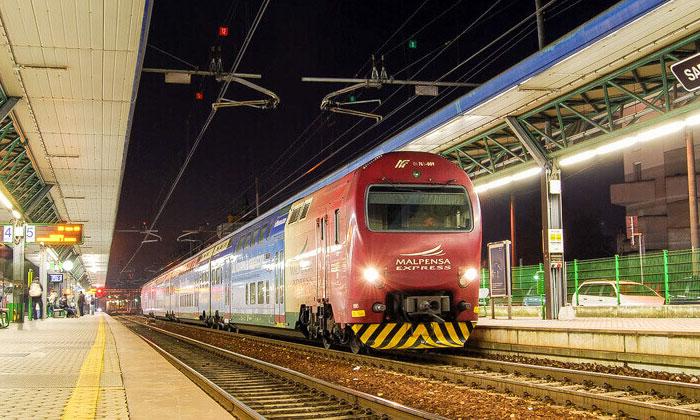 Поезд-экспресс из аэропорта Мальпенса в Милан