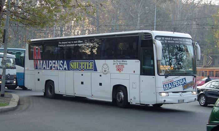Коммерческий автобус Malpensa Shuttle в Милан