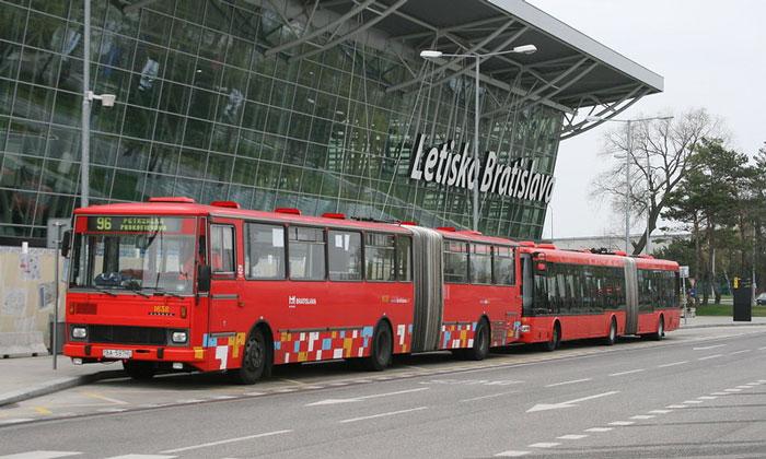 Автобус 96 из аэропорта Братиславы имени Штефаника